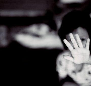 VICTORIE URIAȘĂ: Cresc pedepsele pentru agresiunile sexuale împotriva minorilor!