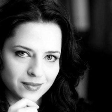 """Ramona Strugariu: """"Cât de departe au penetrat rețelele de trafic instituțiile statului? Până unde au ajuns?"""""""