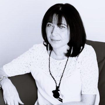 """INTERVIU cu psihologul Daniela Peristeri: """"Suntem într-o așteptare continuă, e unul dintre motivele pentru care bubuim atât de ușor"""""""