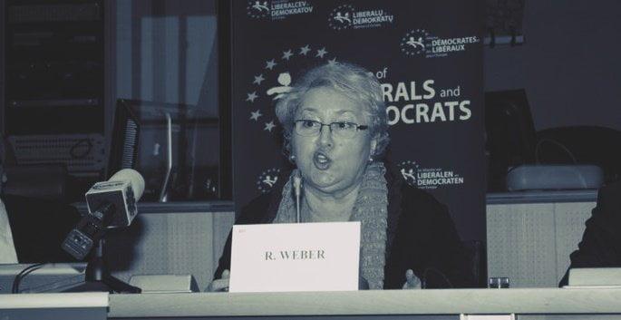Renate Weber, acuzată de încălcări ale Constituției în ultimii 3 ani