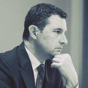 Tanczos Barna, acuzat că ar fi organizat o dezbatere cu vânători deghizați în victime ale urșilor