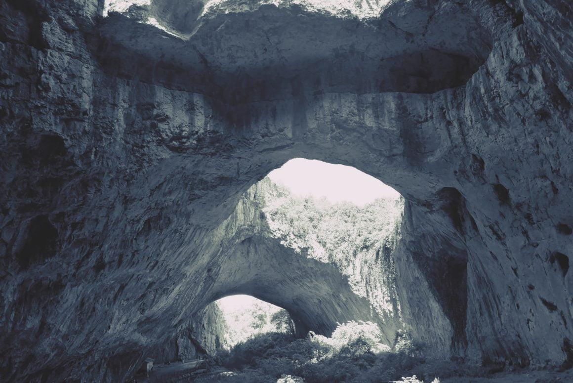 DESTINAȚIE DE VACANȚĂ: Devetashka, peștera cu 15 specii de lilieci