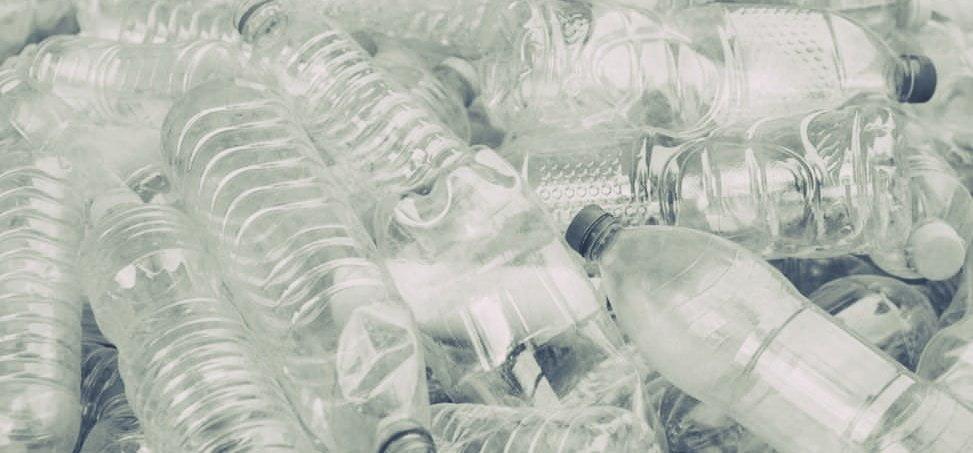 Ministerul Mediului, acuzat că a ratat transpunerea directivei privind eliminarea plasticului