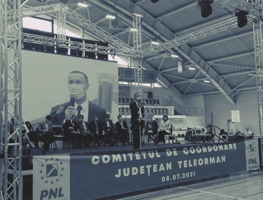 """Dumnezeu, vedeta discursurilor liderilor PNL în alegerile interne: """"Au sărit mulți pentru că am îndrăznit să vorbesc de credința în Dumnezeu… noi o avem în statut"""""""