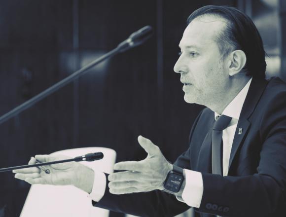 Misterioasa fișă matricolă a lui Cîțu, captivă între GDPR și protecție politică