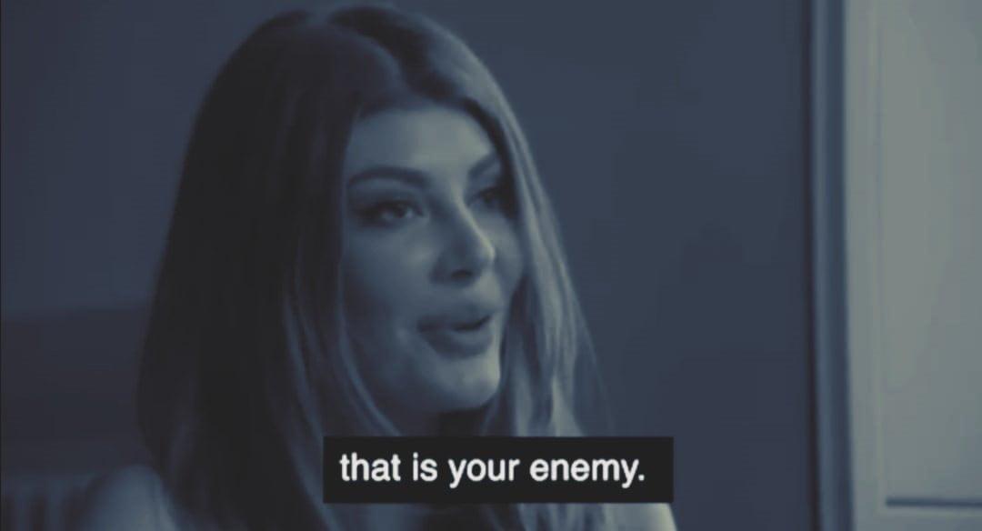 """Iubita lui Săvulescu se destăinuie pe Instagram: """"Cum să te lupți cu un întreg sistem care îți e inamic?"""""""